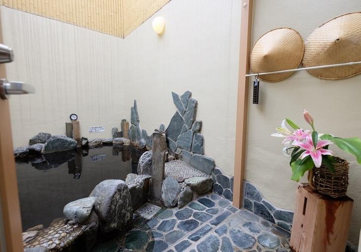 鶴の湯のサムネイル